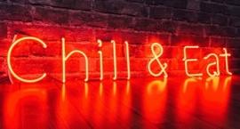 """Chill & Eat"""